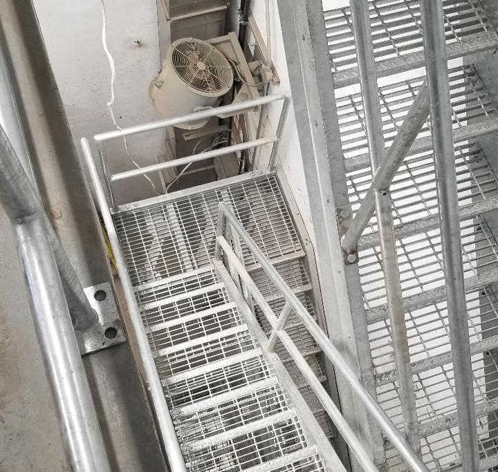 Escalier à volées   Projets sur mesure   Par ABM enviro.